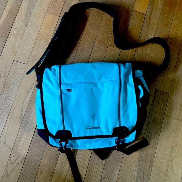 NWOT L.L. Bean Messenger Bag